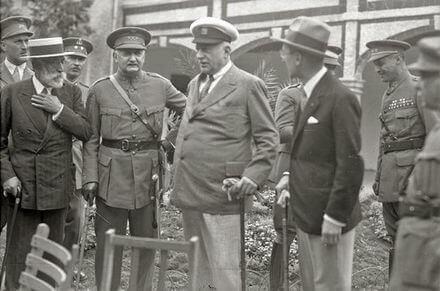 Rethinking Dictatorship: Latin Europe in the Interwar Period