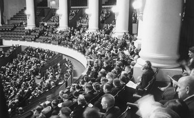 German Orchestras, the Volksgemeinschaft, and the Persecution of the Jews, 1933–1945