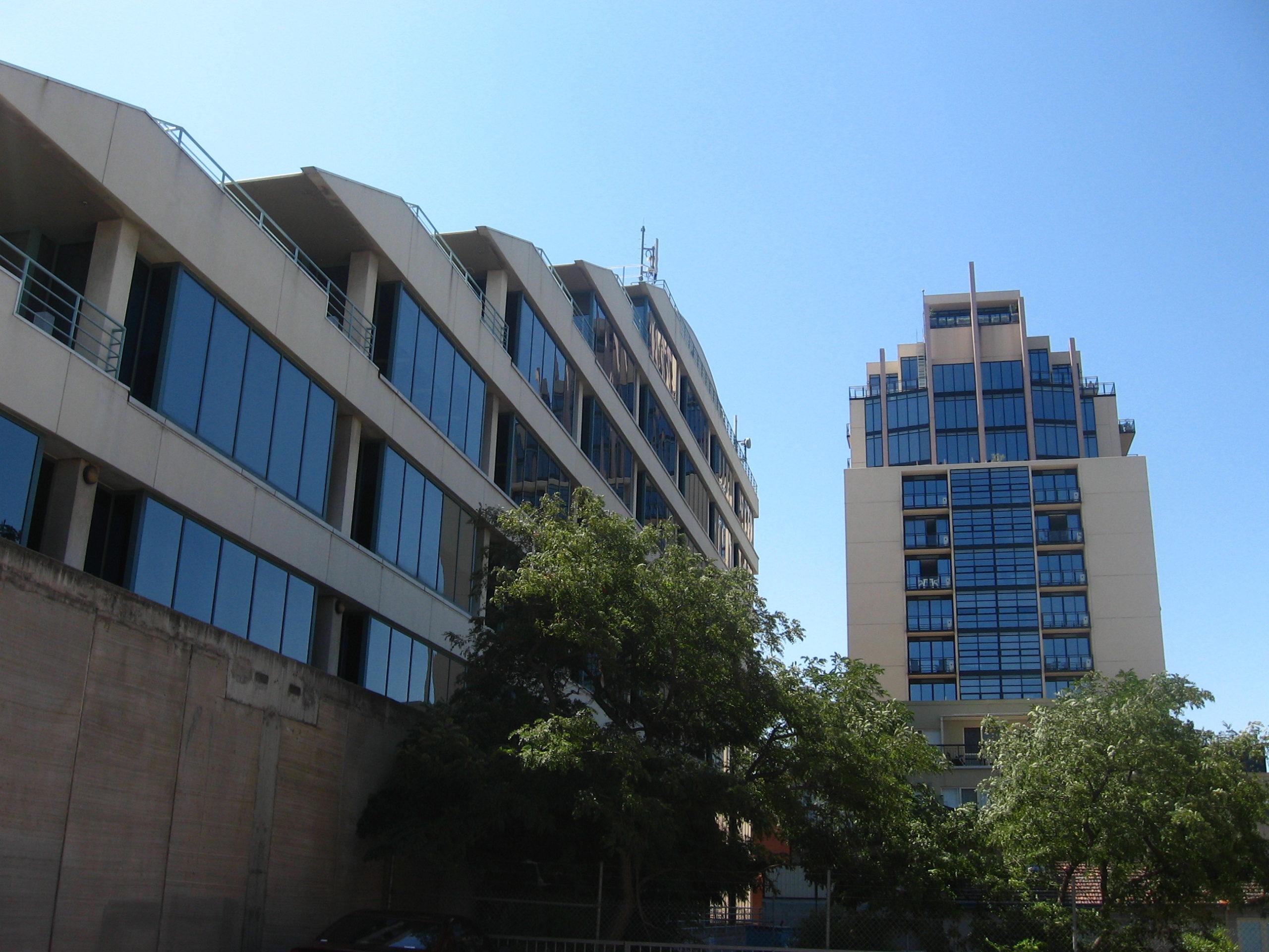 Buildings_in_Moonee_Ponds.JPG