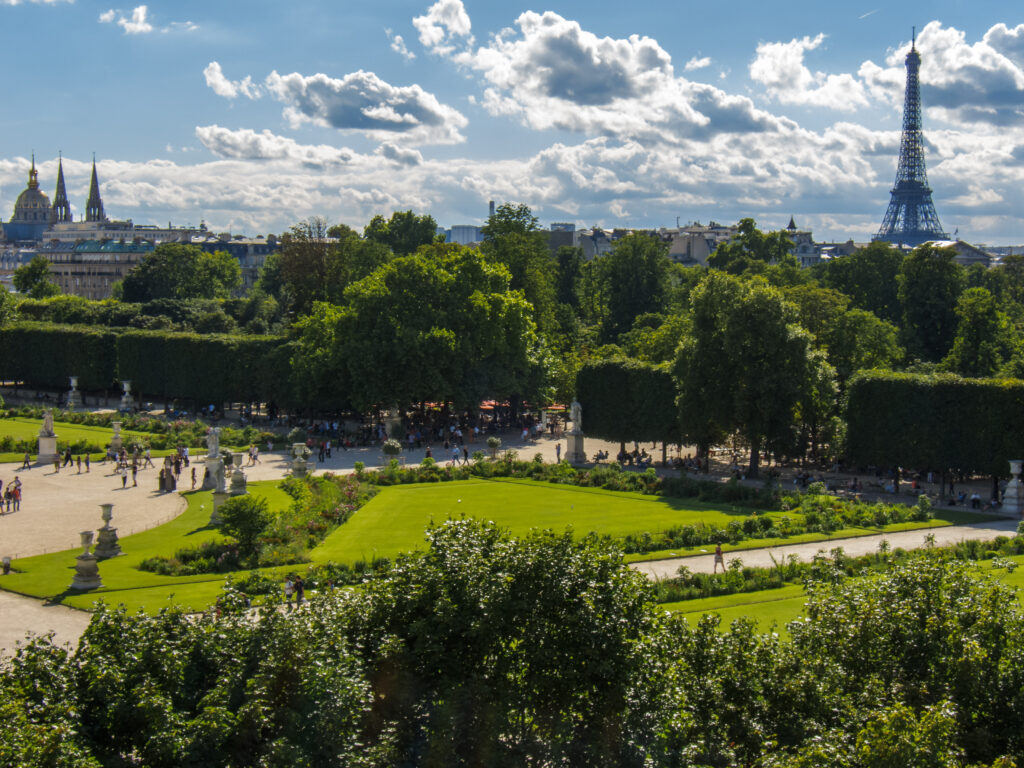 Photograph of the Tuileries Gardens towards the Eiffel Tower today.